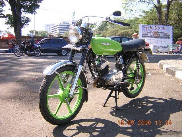 Kawasaki KH100 Custom