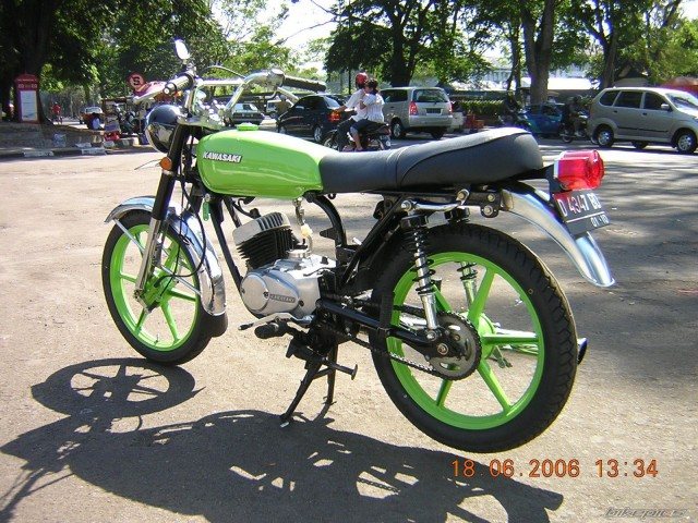 Kawasaki KH100 Custom 2